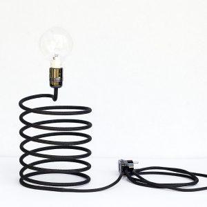 Ciekawa lampa biurkowa w kolorze czarnym