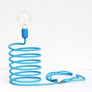 Niebieska lampa nocna w kształcie sprężyny